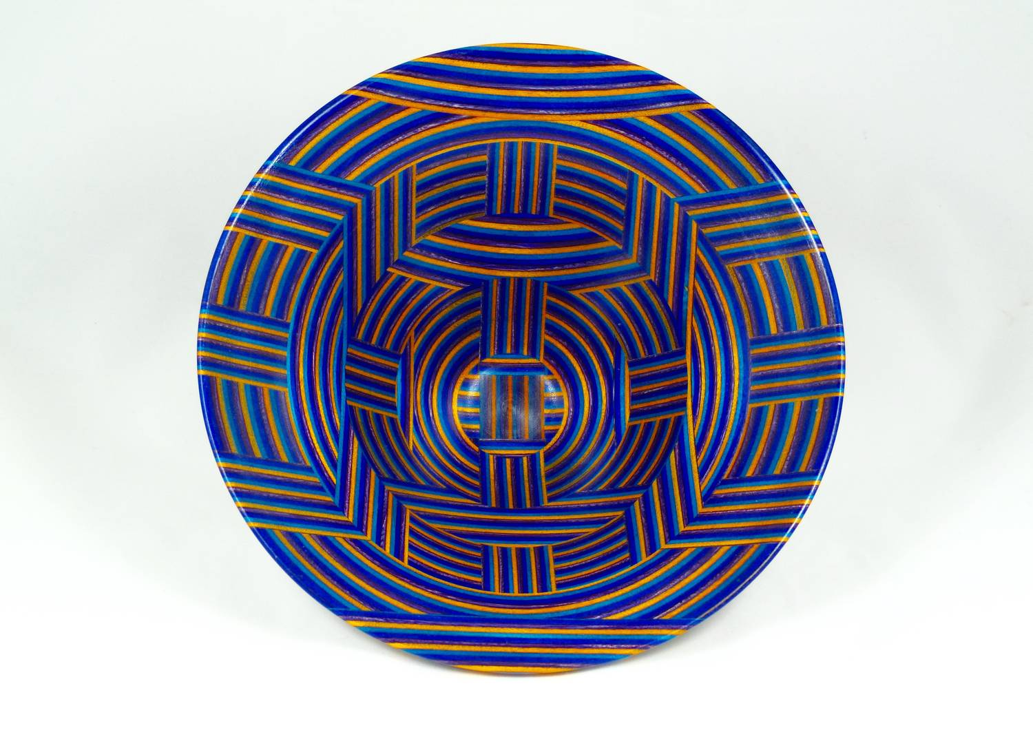 Spectraply Bowl, Interior